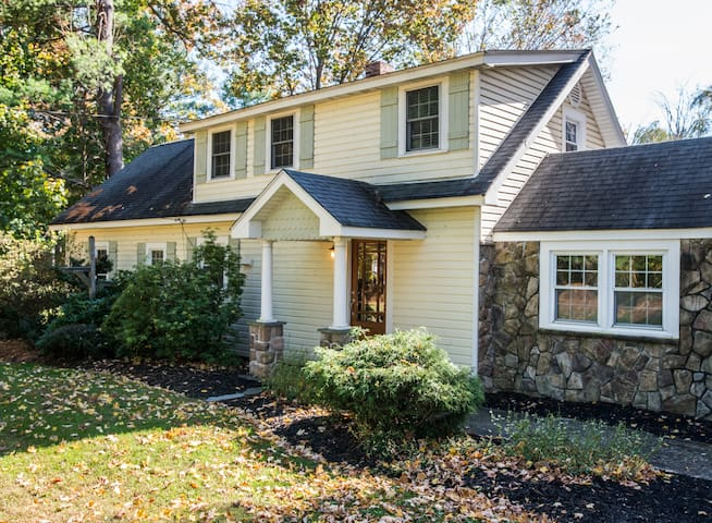 3BD Home on Pond/Mid-Hudson Valley - Hopewell Junction