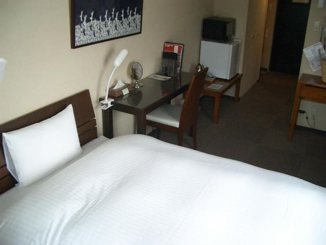 3 minutes on foot from Higashiyama station! Good access to all parts of Kyoto city【Western-style Semi-Double beded room】