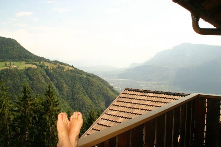 Einzelzimmer am Berg mitten in der Natur