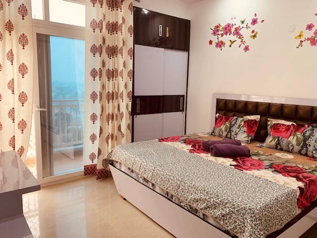 Cozy Emerald Home - Room 1