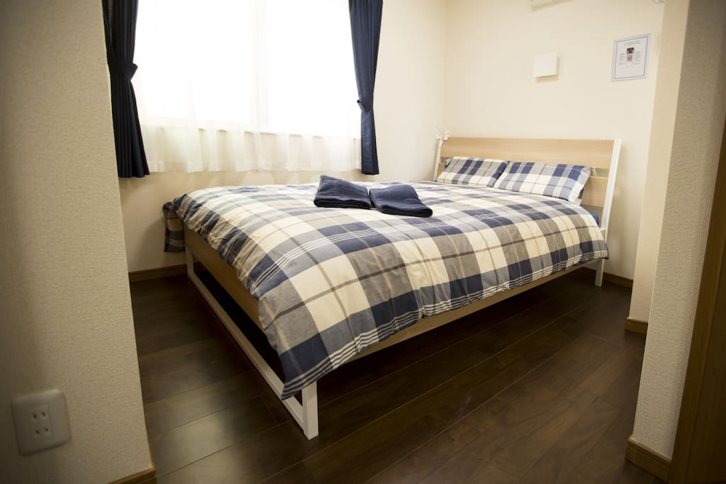 Bed&Stay - Relax in a comfortable and spacious bedroom after a long day exploring Tokyo (Room 201)