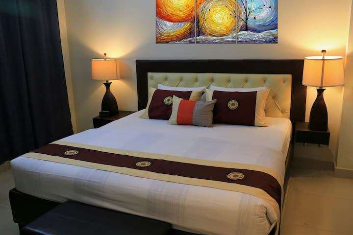 Luxury King Size Bed with Premium quality Mattress