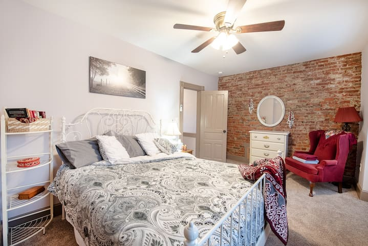 Comfortable Lancaster City Home w/ Cultural Flair