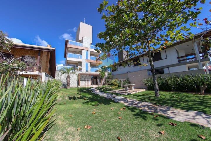 Beira Mar! Lindo apartamento 2quart em condomínio.