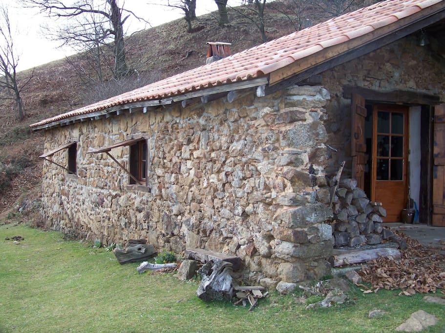coquette bergerie au pays basque chalets louer macaye pyr n es atlantiques france. Black Bedroom Furniture Sets. Home Design Ideas