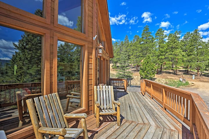 NEW! Scenic Bailey Cabin w/Deck, Fire Pit + Grill!