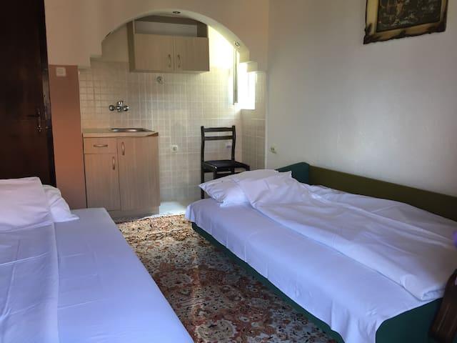 """Private room + private bathroom in Vila """"Kale"""""""