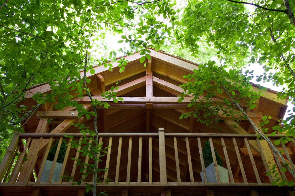 cypr s si haut treehouses for rent in saint mexant limousin france. Black Bedroom Furniture Sets. Home Design Ideas