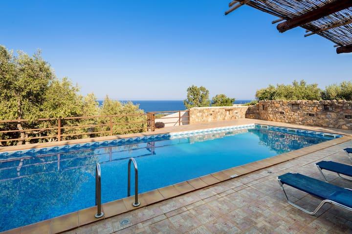 Sea Views @ Villa Kimothoe with Large Private Pool - Chania - Villa