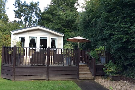 Lovely Static Caravan on Finlake Holiday Park - Chudleigh