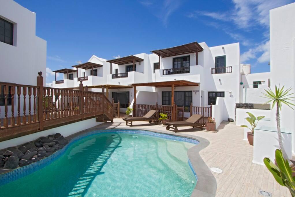 Friendly villa fishing village beach pool casas de - Las casas canarias lanzarote ...