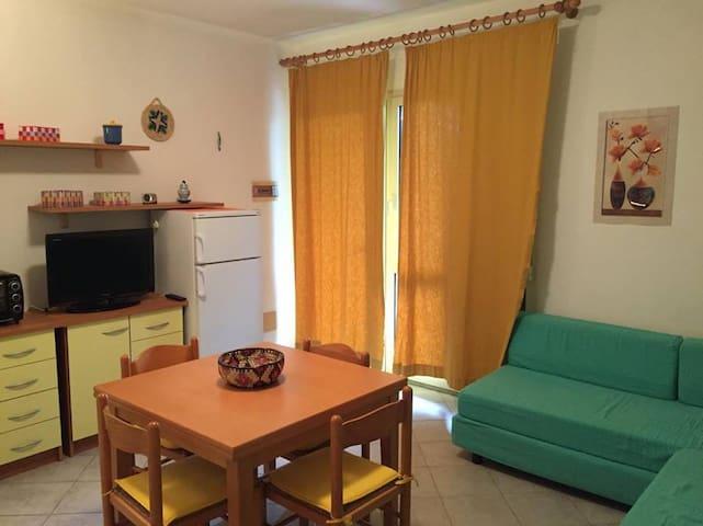 Appartamento vista mare, Badesi (OT) - Badesi - Byt