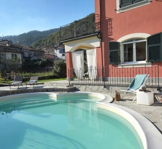 Villa 5 Terre unica piscina e aria condizionata !
