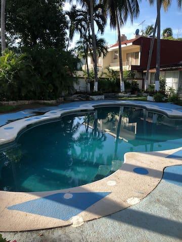 Villa Arlette Diamante c/Alberca. Playa a 5 min