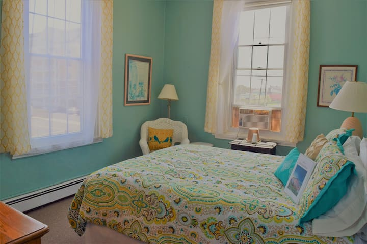 Private Queen Room with Ocean View in Beach-Side Hotel