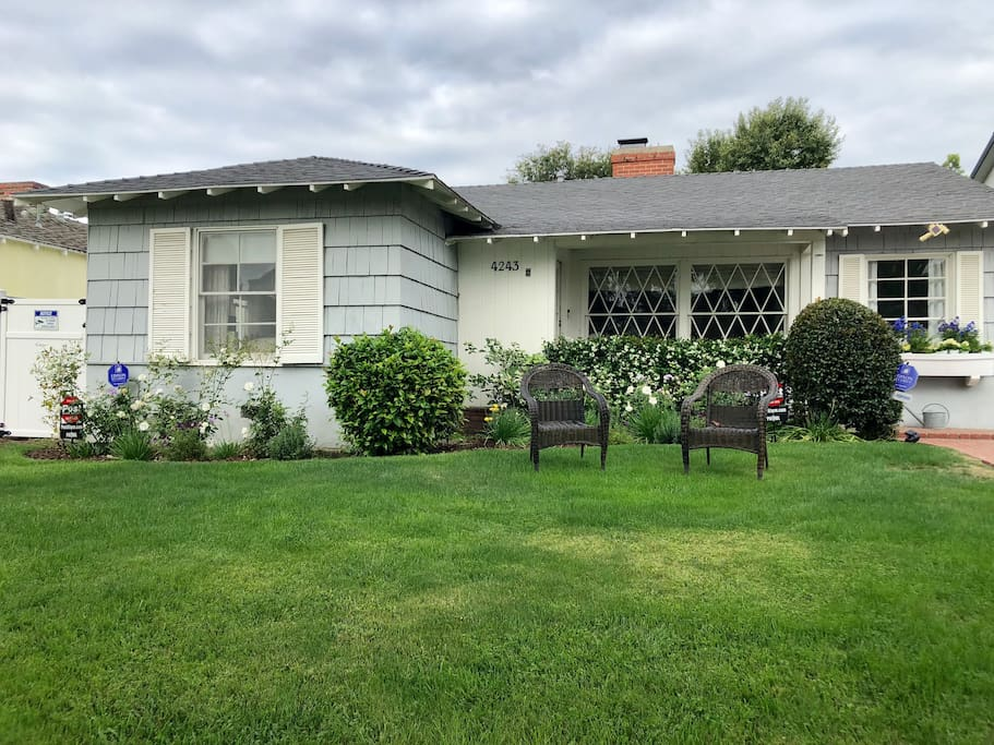 Front of house, walking distance to everything Studio City has to offer!
