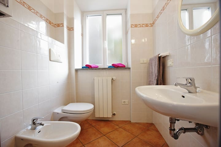 Bella Casa alla Spiaggia Nr. 3 - Tronzano lago maggiore - อพาร์ทเมนท์