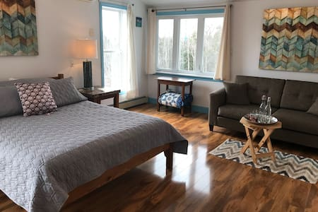 Peaceful Country Retreat, Suite #1