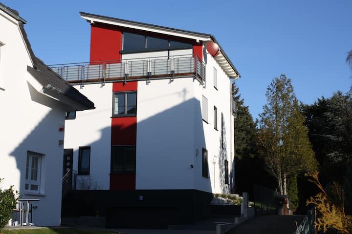 Moderne Neubau-Wohnung in Wiesbaden inkl Parkplatz
