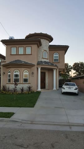 Luxury Home Near Beaches and Disneyland.Sleeps 18+ - Westminster - House