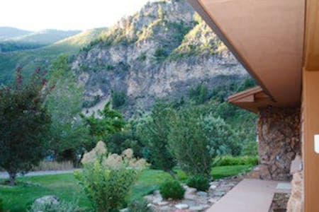 Exceptional home in GW Canyon: 1BR - Glenwood Springs