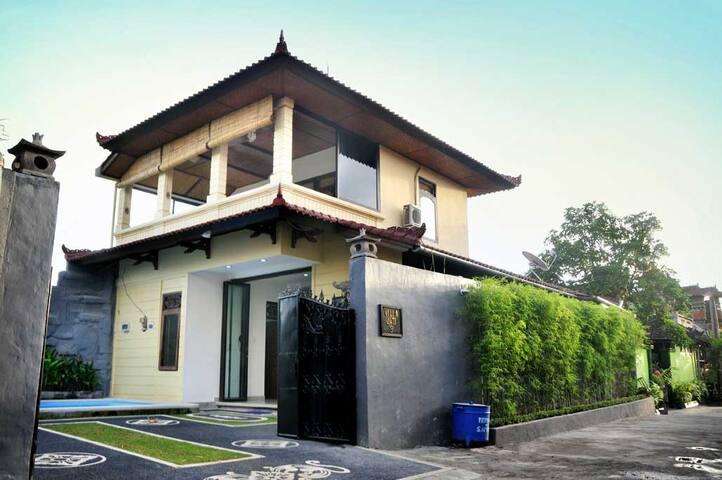 Bali Villa  Traumhafte  Ruhig schön - North Kuta - Casa