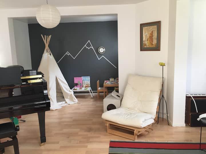 Spacious Artistic loft close to Paris