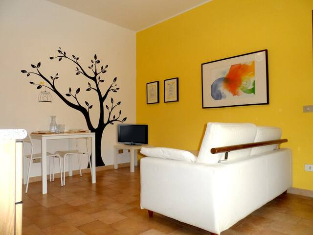 In downtown: parking, wifi, 2 bikes - Como - Daire