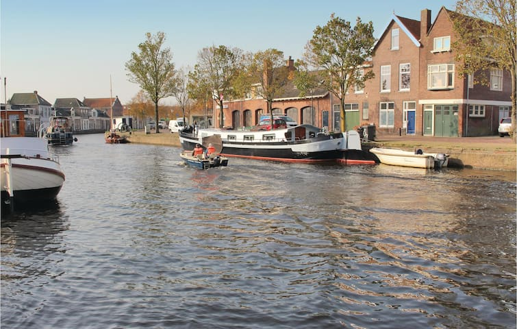 Holiday cottage with 2 bedrooms on 70 m² in Sneek
