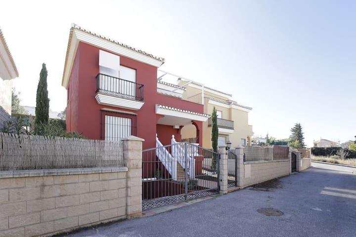 Casa Independiente zona residencial Sierra Nevada - Monachil - Haus