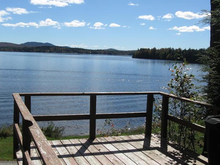 Quiet 2 bedroom lakefront cabin
