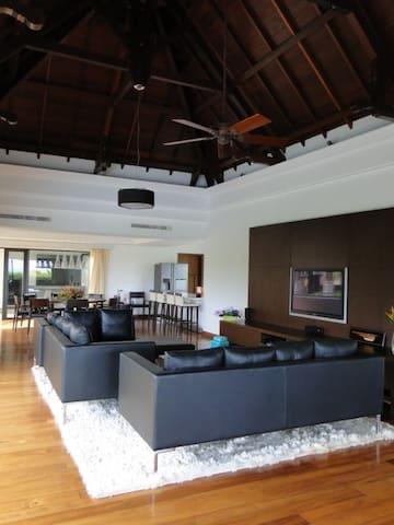 Villa Calypso à Belle Rivière, 6 chambres