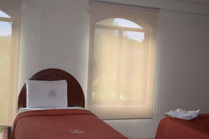 Habitacion King Especial, Hotel Real del Lago