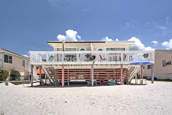 Waterfront Fort Myers Home w/ Deck, Steps to Beach