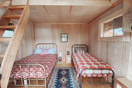 Cabin for 3 or 4 + Special Amenities!