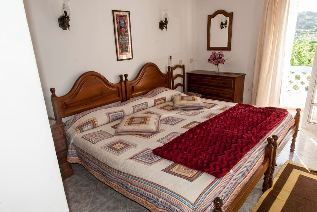 Double Room with private terrace, private bathroom, airconditioner