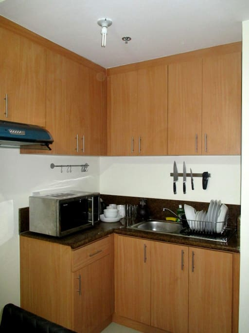 Fully fitted kitchen with granite counter top.