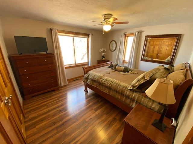 Queen bedroom on the main level.
