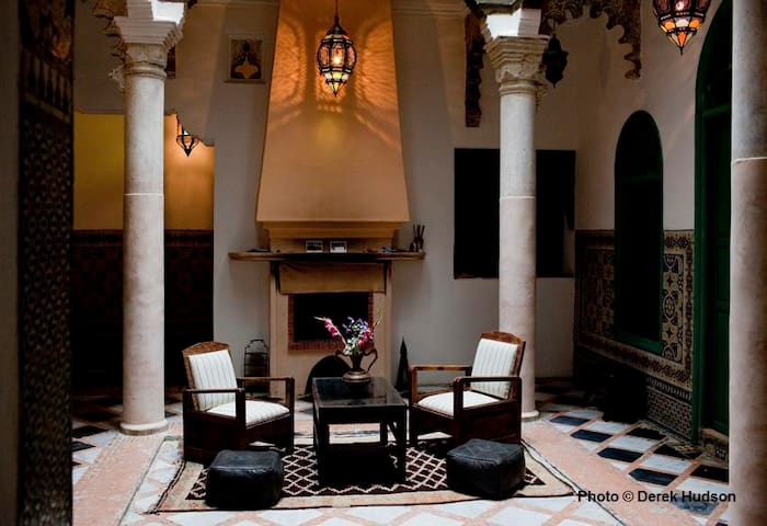 AROUS CHAMEL RIAD DU 18°Siècle  - Tangier - Bed & Breakfast