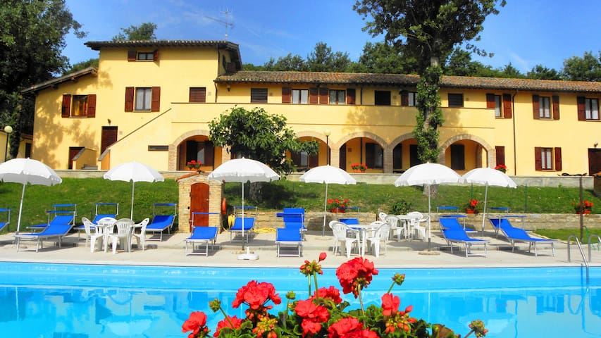 farm holiday  Umbria Gubbio Italy - Gubbio - Bed & Breakfast