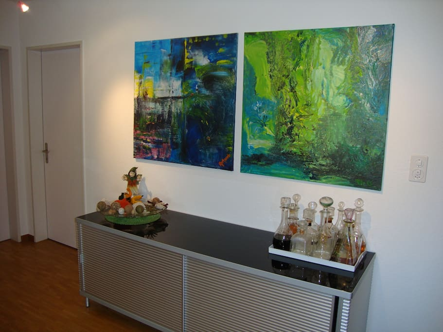 Art in the living room - Kunst im Wohnzimmer.