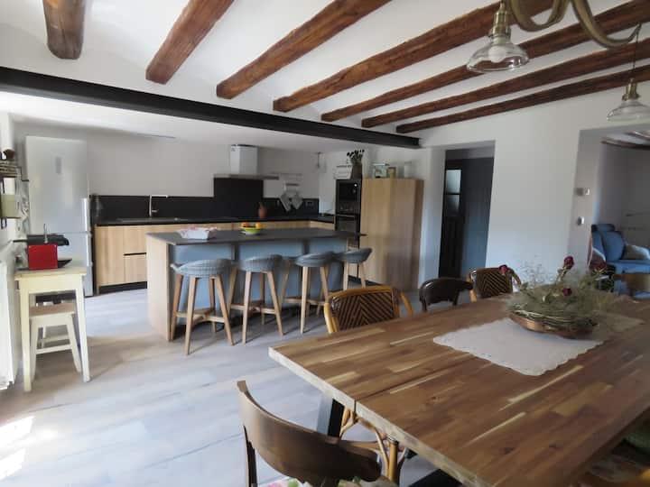 Preciosa casa centenaria en el Camino de Santiago