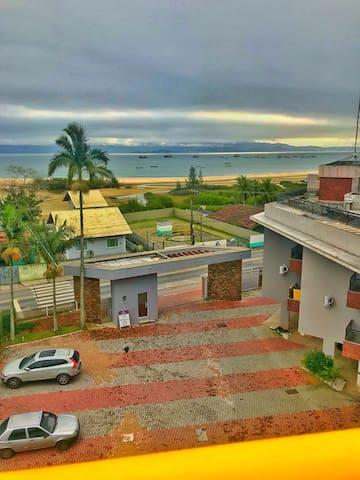 Apto beira mar em Ponta das Canas