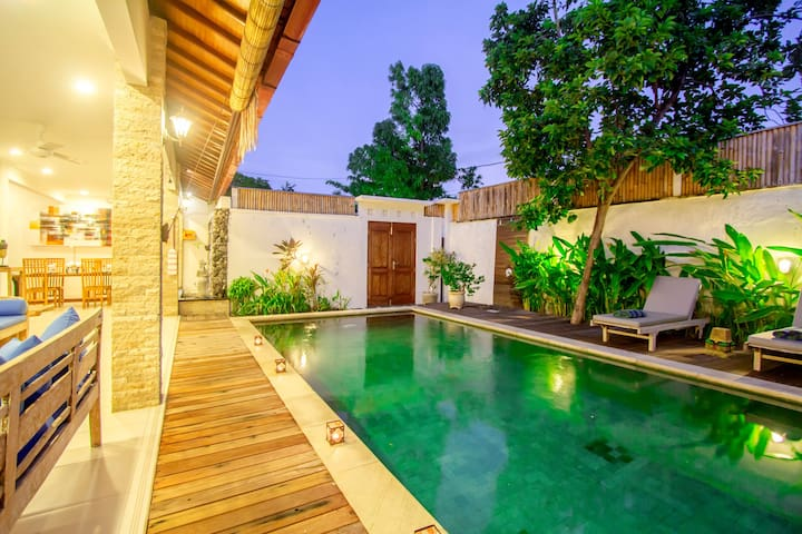 Villa Cosmopolitan Seminyak Bali Suite Room B - Seminyak Kuta - Villa