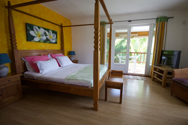 Comfy room in ideal location