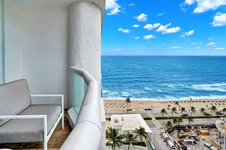 The Ocean Resort 1412 | Deluxe Intracoastal View King Studio