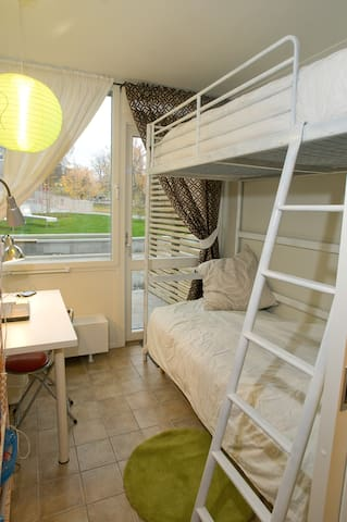 Near shopping-IT Business(Bunk bed) - Stockholm - Appartement