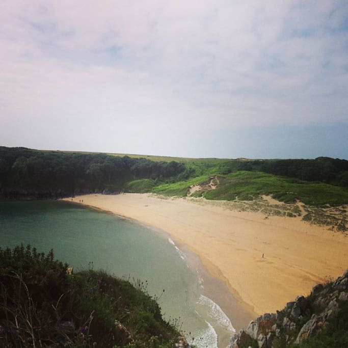 Photo taken by a guest at the cottage, of Barafundle bay - one of many beach daytrips!