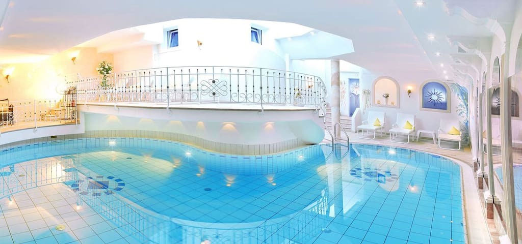 Apparthotel Veronika**** mit Wellnessbereich/Pool