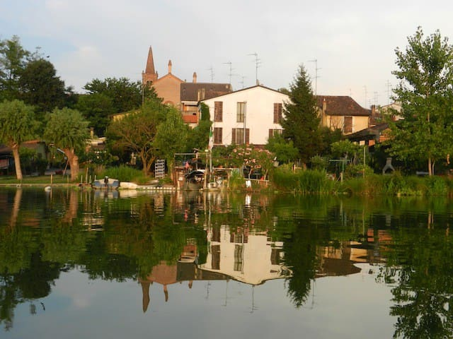 CasaNonni, Borgo Angeli-MANTOVA sul Lago Superiore - Mantua - Bed & Breakfast